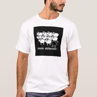 Pense diferente - diferente de Pense Camisetas