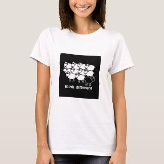Pense diferente - Pense Diferente T-shirt