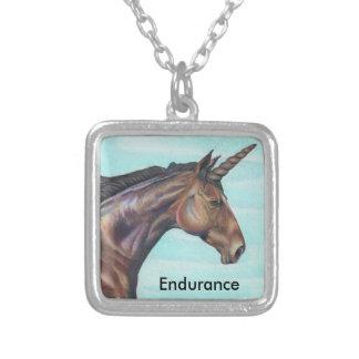 personalize a arte do lápis da cor do cavalo do colar banhado a prata