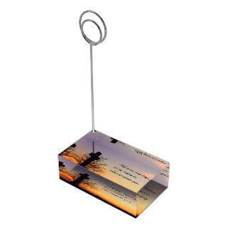 (Personalize) cruz santamente no por do sol Suportes Para Cartoes De Mesas