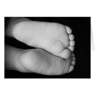 Pés bonitos do bebê cartão comemorativo
