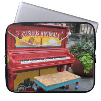 Piano dos animais de circo capa para laptop