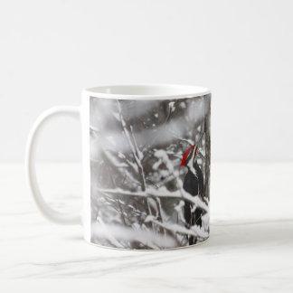 Pica-pau no inverno caneca