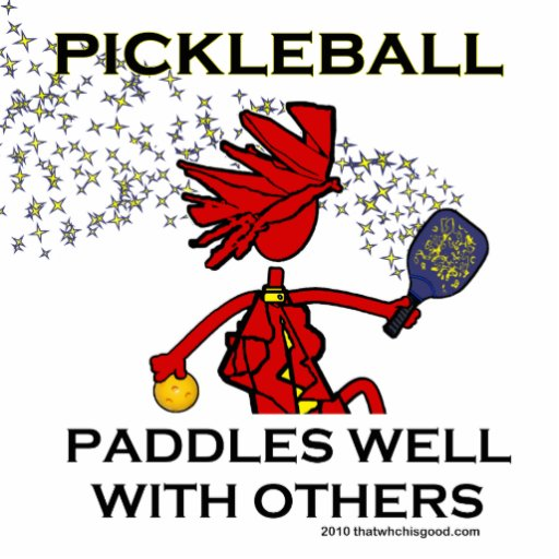 Pickleball rema bem com outro escultura de foto