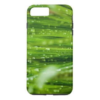 Pingos de chuva nas lâminas de grama capa iPhone 7 plus