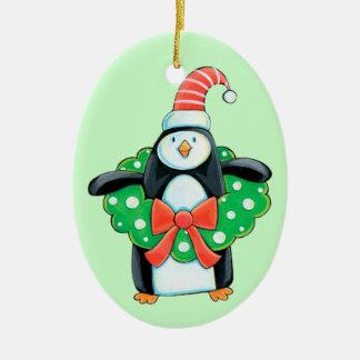 Pinguim bonito do feriado ornamento de cerâmica oval