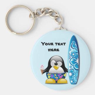 Pinguim do surfista com sorvete chaveiro