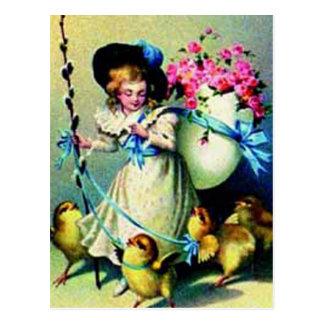 Pintinhos da menina e do bebê da páscoa do vintage cartão postal