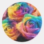 Pintura de etiquetas dos rosas do arco-íris adesivo redondo