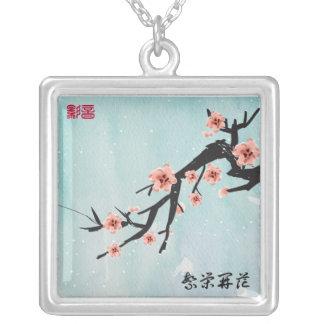 Pinturas chinesas - flores de cerejeira colar banhado a prata