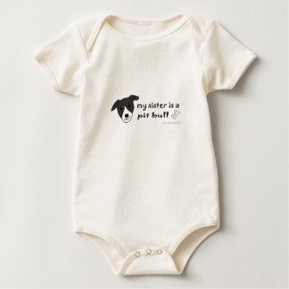 pitbull macacãozinho