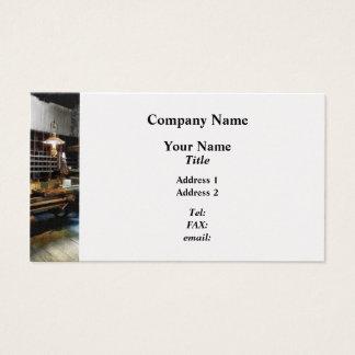 Plaina na oficina de construção mecânica cartão de visitas