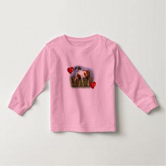 Pônei e t-shirt solitário da criança do Gorse