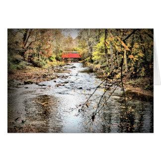 Ponte coberta do monte justo no outono cartão comemorativo