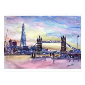 Ponte da torre de Londres com o estilhaço no Cartão Postal