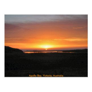 Por do sol da baía de Apollo Cartão Postal