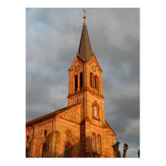 Por do sol da igreja cartão postal