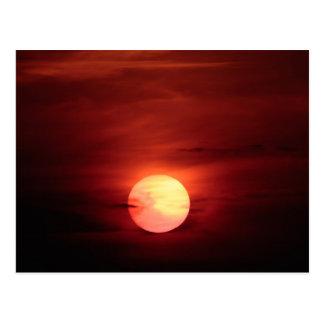 Por do sol do Scifi Cartão Postal