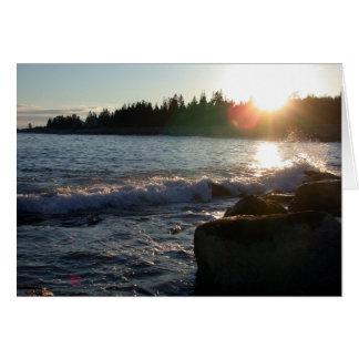 Por do sol litoral cartão de nota