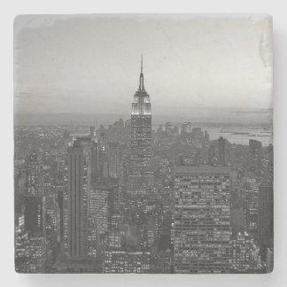 Porta-copo De Pedra Manhattan preto e branco