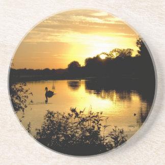 Porta-copos Amarelo alaranjado do lago swan do por do sol