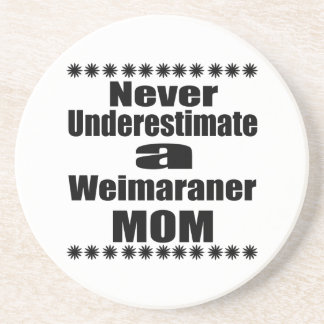 Porta-copos De Arenito Nunca subestime a mamã de Weimaraner