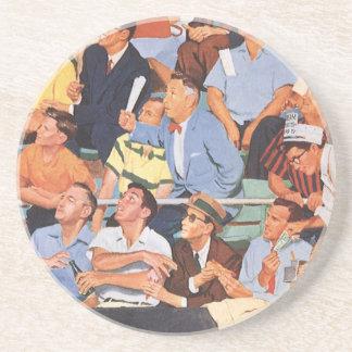Porta-copos De Arenito O vintage ostenta os fãs de basebol que olham um