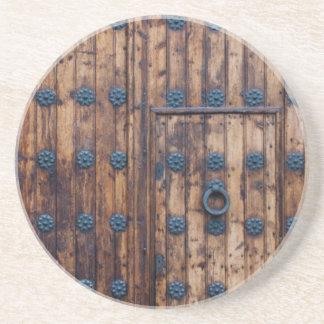 Porta-copos De Arenito Porta pequena velha dentro das grandes portas