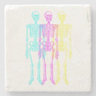 Porta Copos De Pedra Esqueletos amarelos magentas cianos da tipografia