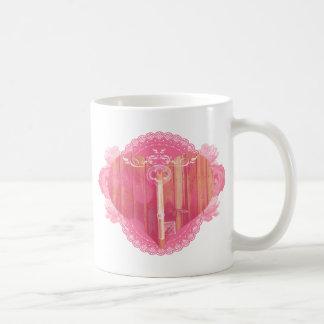 Porta dada forma coração com chave de esqueleto caneca de café