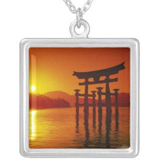 Porta de O-Torii, santuário de Itsukushima, Colar Banhado A Prata