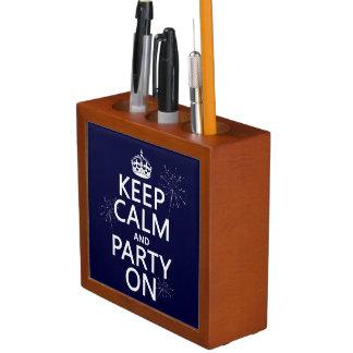 Porta Lápis Mantenha a calma e o partido sobre - todas as