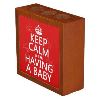 Porta-lápis Mantenha a calma que nós estamos tendo um bebê (em