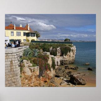 Portugal, Cascais. Praia a Dinamarca Rainha, uma p Pôsteres