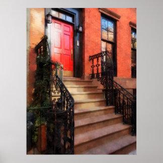 Póster Brownstone do Greenwich Village com porta vermelha