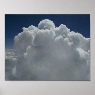 Póster Inchaço das nuvens de Cumulus para cima nas