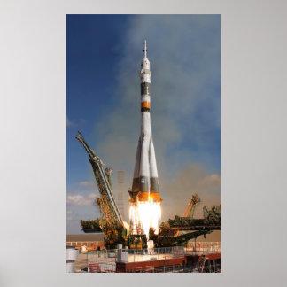 Póster Liftoff de Soyuz do russo - 12 de outubro de 2008