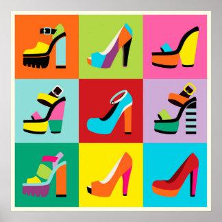 Póster Os calçados femininos do pop art colorido