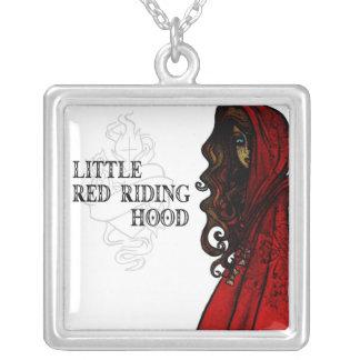 Pouca capa de equitação vermelha colar banhado a prata
