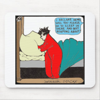 """Pouco Nemo"" na cama Mousepad"