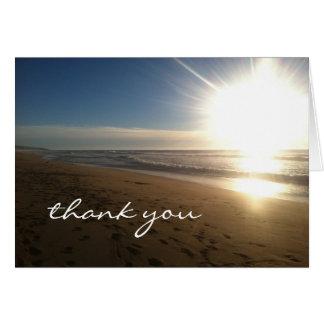 Praia no por do sol - obrigado notas cartão de nota