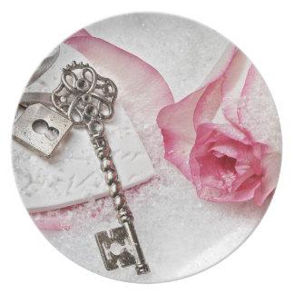 Prato De Festa A chave a meu coração cor-de-rosa e dia dos