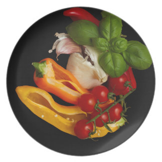 Prato De Festa Alho dos tomates da manjericão das pimentas