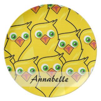 Prato De Festa Galinhas amarelas brilhantes bonitas da páscoa