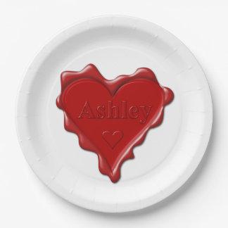 Prato De Papel Ashley. Selo vermelho da cera do coração com