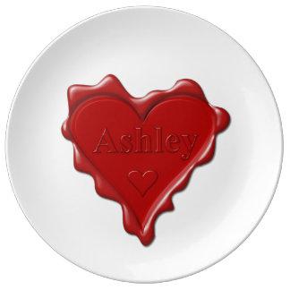 Prato De Porcelana Ashley. Selo vermelho da cera do coração com