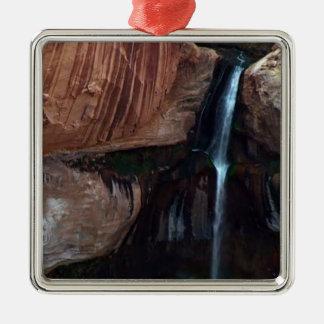 Presente americano da paisagem das cachoeiras das ornamento quadrado cor prata