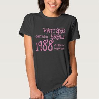 Presente da fermentação do vintage de um ano de camisetas