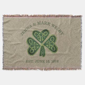 Presente de casamento irlandês do trevo artística coberta