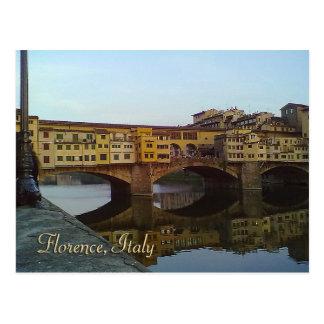 Presente velho de Florença Italia da ponte de Cartão Postal